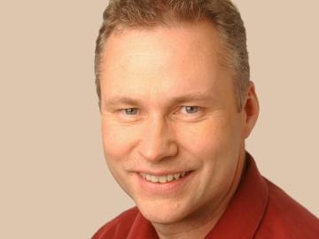 Рэй Магуайр (Ray Maguire)